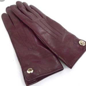 Coach turnlock leather gloves
